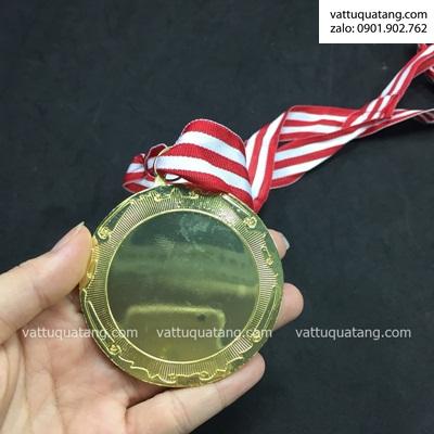 Phôi huy chương ngọn đuốc – màu vàng